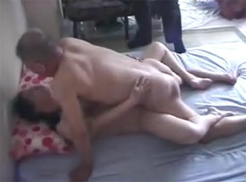 完熟婆交淫 60歳老女老婆の性癖と実録秘蔵sex自撮りビデオ流出