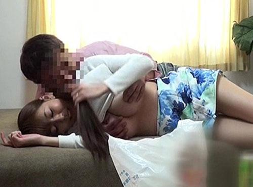 オマnko画像無料の盗撮部屋で巨乳おっぱい人妻を生姦ハメ撮り動画